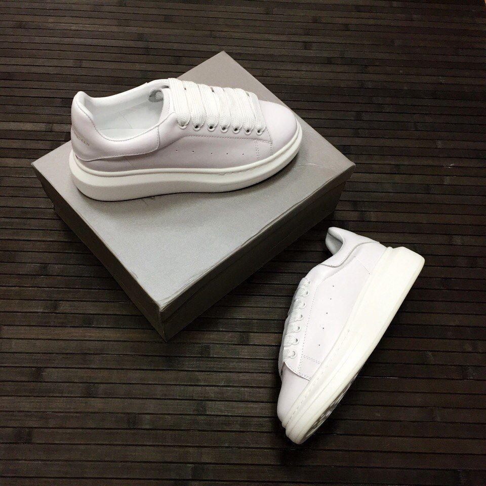Белые женские кеды Alexander McQueen