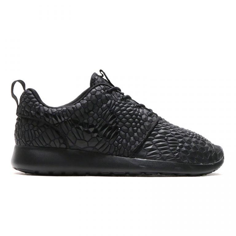 "Nike Roshe Run ""Black Diamondback"""
