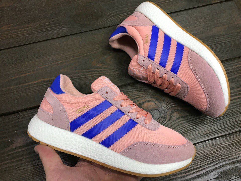 Женские кроссовки Adidas Iniki розовые