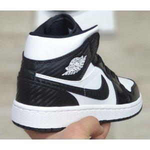 Air Jordan 1 Retro High Black White 2