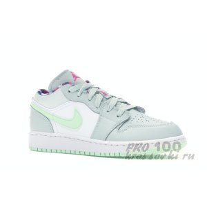 Jordan 1 Low Barely Grey Frosted Spruce