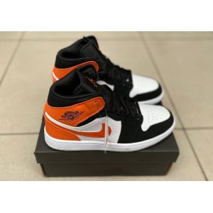 Nike Air Jordan 1 Mid black orange