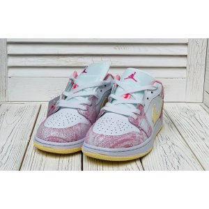 Jordan 1 Retro low pink