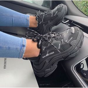 Кроссовки Balenciaga x Triple S black