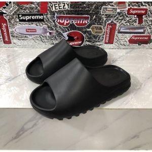 Тапки Yeezy Slide черные