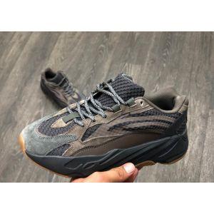 Кроссовки Adidas Yeezy Boost 700 коричневые